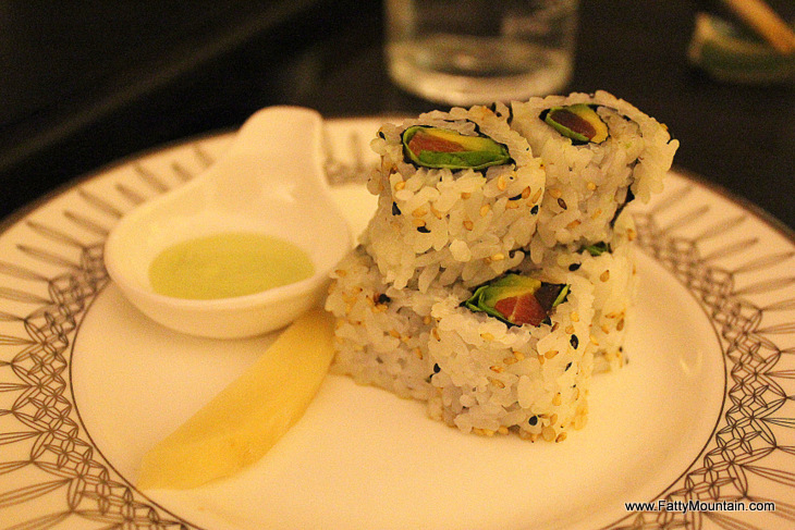 Spicy Salmon roll - 9 gbp