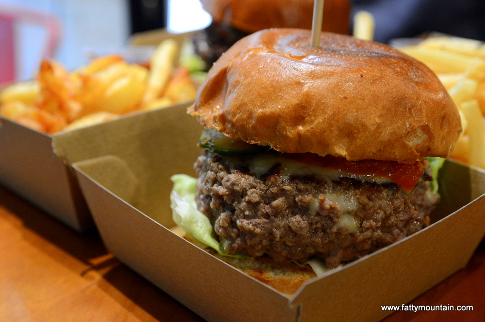 Classic Aussie Beef Burger Set with Cheddar