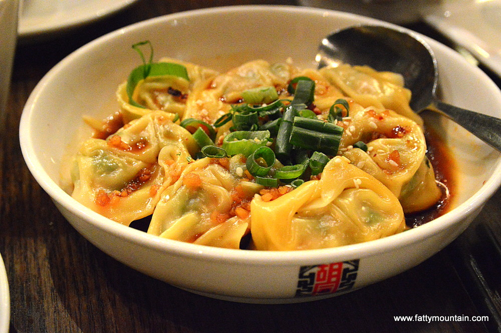 Wanton with Hot Chilli Sauce
